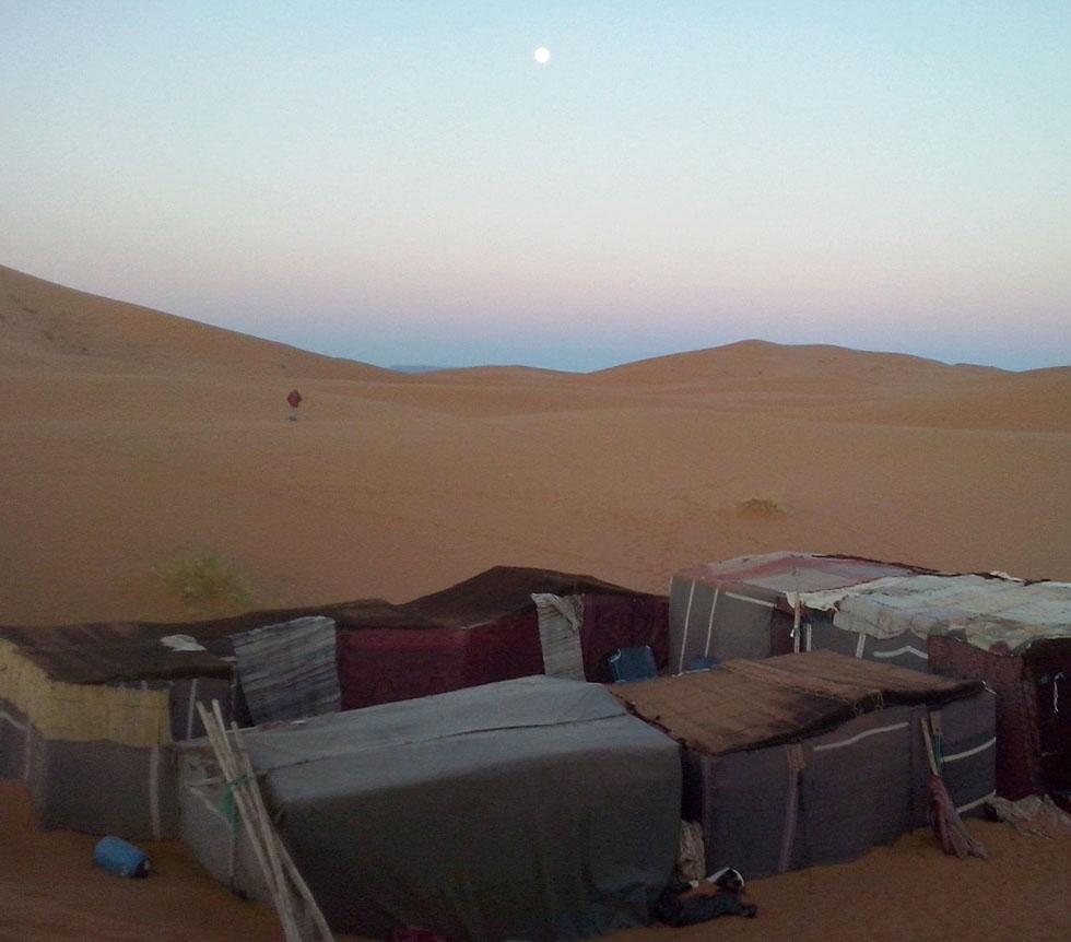 Campamento de viaje al desierto del Sahara