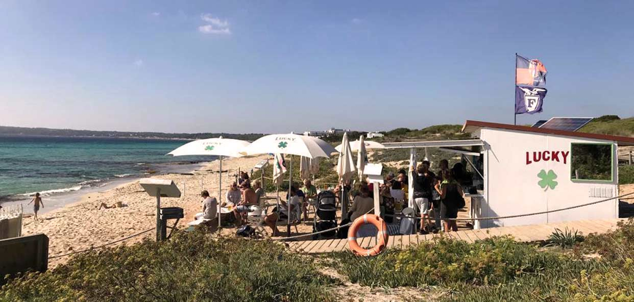 Autenticos-chiringuitos-playa-Formentera
