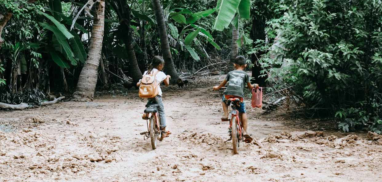 ODS-formacion-niños-niñas-camboya-becas-escolares