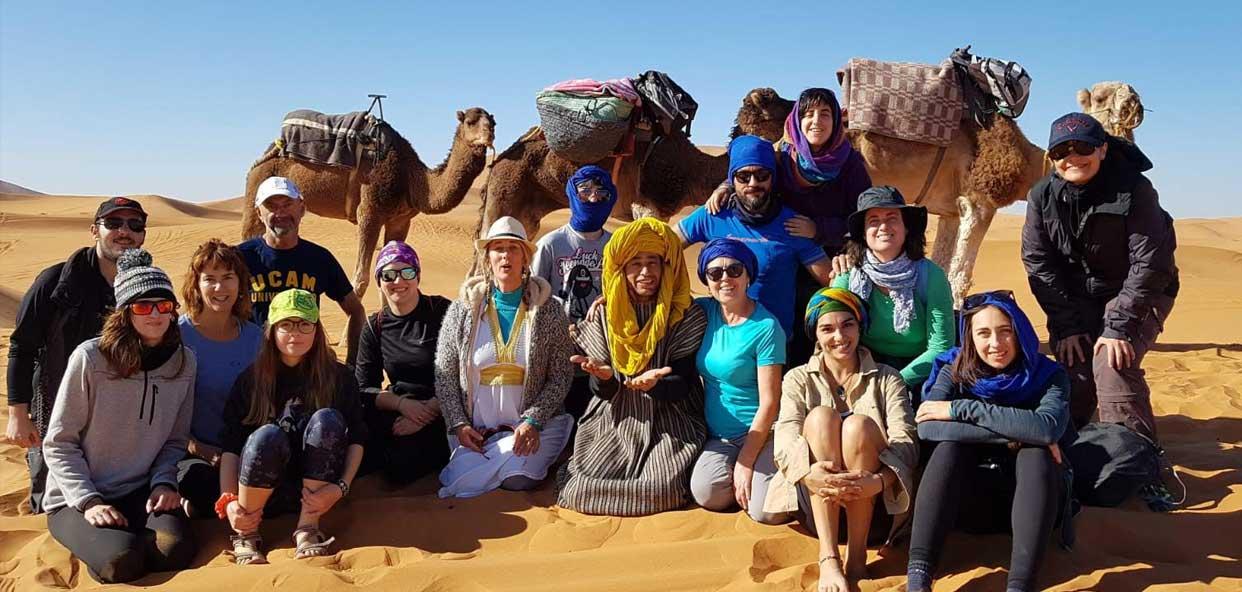 Trekking-Desierto-marruecos---grupo-voluntarios