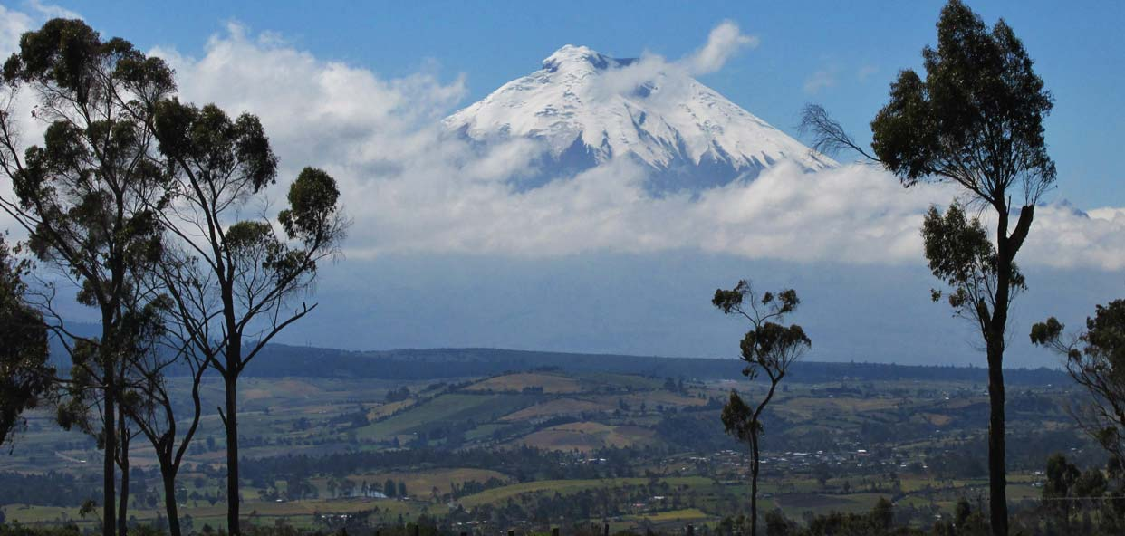 contrastes-Ecuador-Selva-Volcan