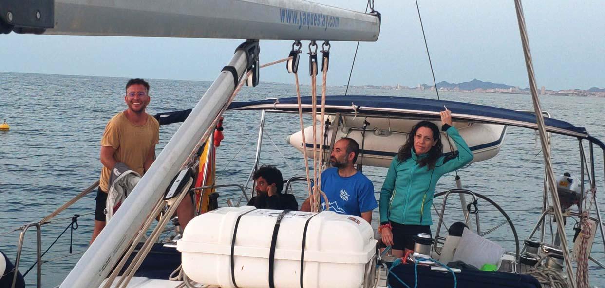 formentera-ibiza-campamento-viejoven-navegando